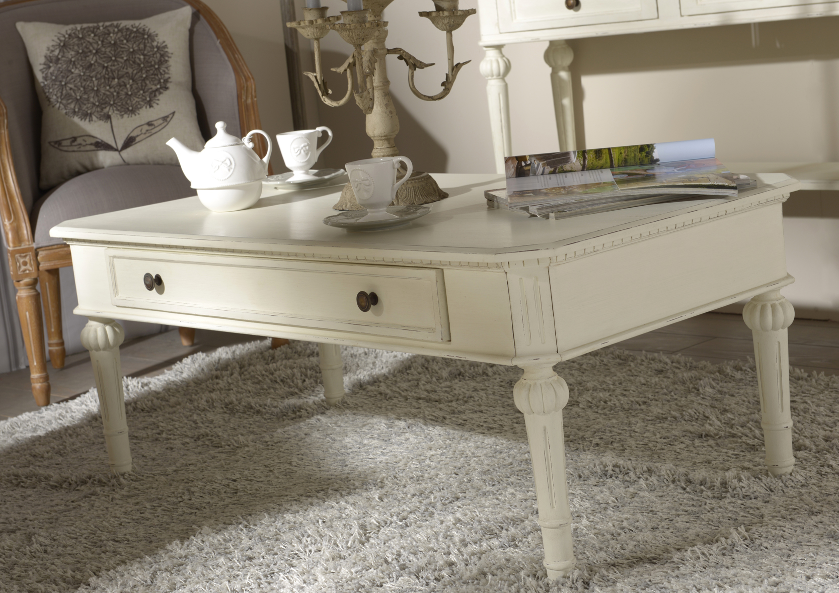table basse l onie tables basses style campagne. Black Bedroom Furniture Sets. Home Design Ideas
