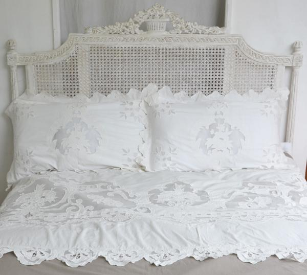 housse de couette reine blanc coquecigrues boutis. Black Bedroom Furniture Sets. Home Design Ideas